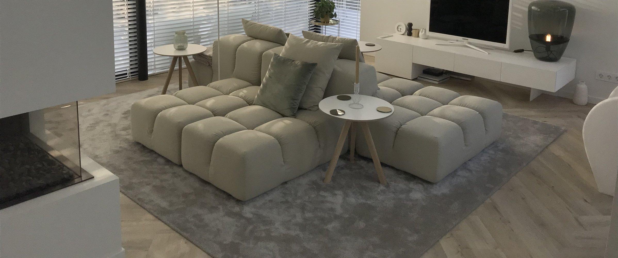 Zeitgenössische moderne Möbel